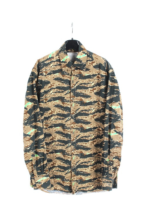Undercover by Jun Takahashi  tiger camo cotton shirt (M~L) (made in japan)